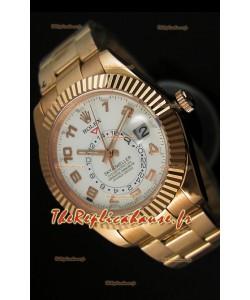 Montre en or rose 18K Rolex Sky-Dweller avec chiffres arabes sur cadran blanc
