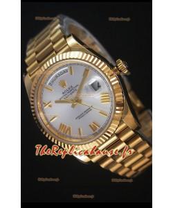 Rolex Day-Date 40MM Montre Réplique avec Cadran Argent et  Chiffres des heures Romaines Mouvement Suisse Cal.3255